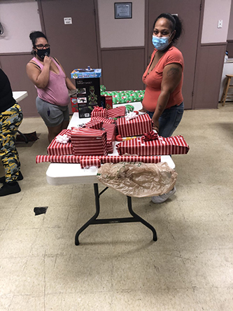 2 ladies wrapping